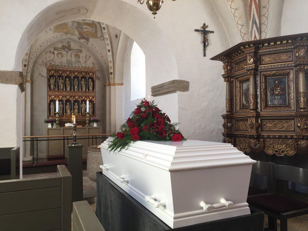 Plötzlicher Todesfall, Todesfall, Beerdigung